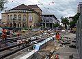 2016-06-02, Gleisbau auf dem Freiburger Platz der Alten Synagoge und der Bertoldstraße, im Hintergrund das Thea.jpg