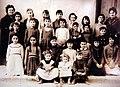 205 Museu d'Història de Catalunya, foto de grup, classe de les nenes.JPG