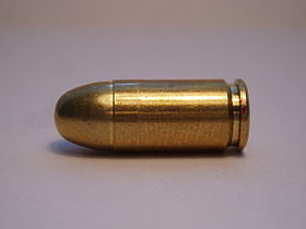 Una cartuccia .380 ACP full metal jacket