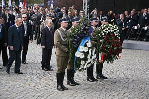 Lech Kaczyński i Szymon Peres złożyli wieńce pod Pomnikiem Bohaterów Getta