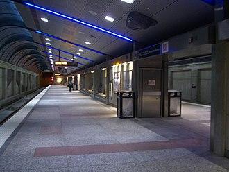 Bergenline Avenue (HBLR station) - The station's underground platform.