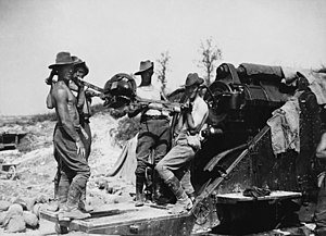 BL 9.2-inch howitzer - Australian gunners of the 55th Siege Artillery Battery loading a 9.2-inch howitzer, Western Front, July 1916.