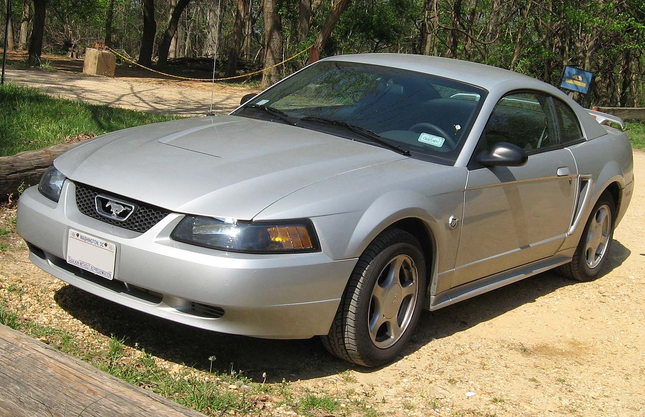 Ford ford mustang 99 : File:99-04 Ford Mustang coupe.jpg - Wikimedia Commons