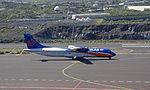 ATR 72-212A EC-KNO at La Palma 3 (5492000240).jpg