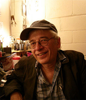 English: Austin Pendleton backstage at the Del...