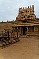 Airavatheeswara Temple at Darasuram 01.jpg