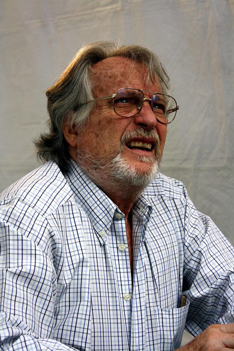 Álberto Vázquez-Figueroa in Barcelona in 2009