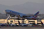 American Airlines, Boeing 777-223(ER), N792AN - LAX (19012785588).jpg