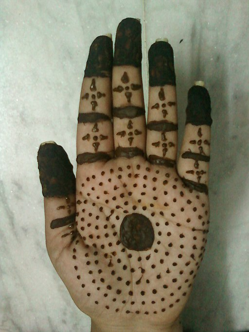 An applied Mehendi design