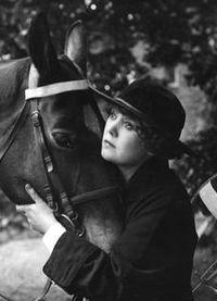 Annie Bos in Majoor Frans.jpg