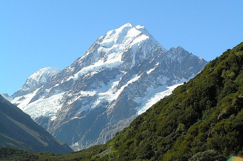 800px Aoraki Mount Cook from Hooker Valley