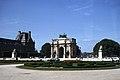 Arc de Triomphe du Carrousel and the Pavillon de Flore, Paris 1981.jpg