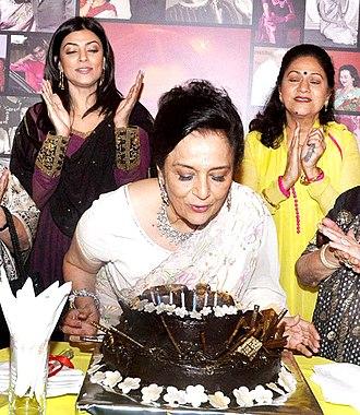Asha Parekh - Asha parekh celebrating her 70th Birthday with Sushmita Sen and Aruna Irani