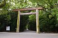 Atsuta-jinguu torii.JPG