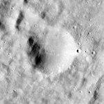 Babakin crater AS15-M-1035.jpg