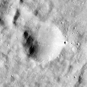 Babakin crater AS15-M-1035.jpg