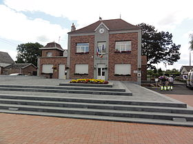 La mairie de Bachant.