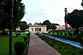 Badshahi Masjid Grden.jpg