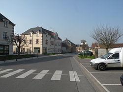 Bailleul-sur-Thérain rue.JPG