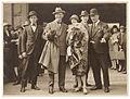Ballerina Anna Pavlova arrives, Central Station, Sydney, April 1926 - by Sam Hood (3272897559).jpg