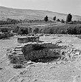 Beit yerah Panorama met gezicht op heuvels met op de voorgrond archeologische r, Bestanddeelnr 255-4127.jpg