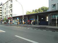 Berlin - U-Bahnhof Turmstraße (9490668856).jpg
