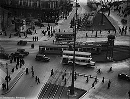 Potsdamer Platz, Willy Pragher [CC BY 3.0 (https://creativecommons.org/licenses/by/3.0)], via Wikimedia Commons