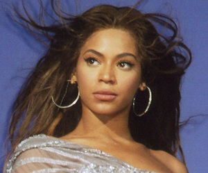300px Beyonce cropped2 So Much for that Fifth Grade Education, Singer Beyoncé Knowles Inks $50 Million Deal With Pepsi