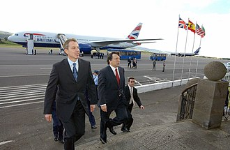 Lajes Field - The British Prime Minister Tony Blair and Portuguese Prime Minister José Manuel Durão Barroso at Lajes Airfield, 17 March 2003.