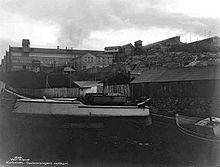 Boats and factory in Kirkenes.jpg
