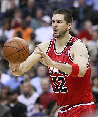 Brad Miller (basketball) - Miller with the Bulls