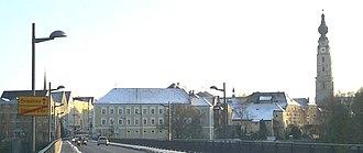 Braunau am Inn - Braunau town centre, seen from the Inn bridge