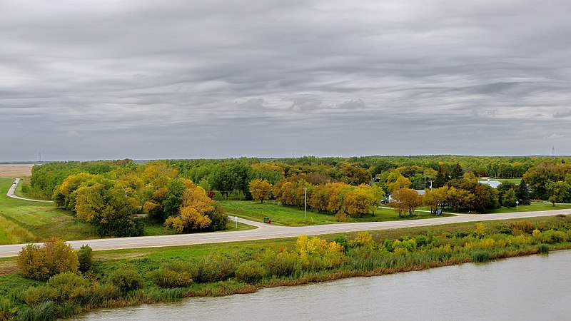 File:Breezy Point Rd ^ Red River, Selkirk - panoramio (1).jpg