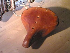 Brooks England - A Brooks B-67 single-rail saddle