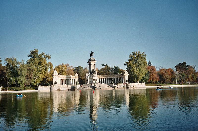 File:Buen Retiro Park, Madrid.jpg