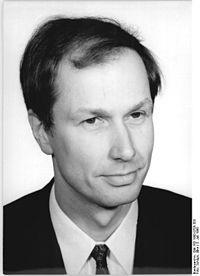 Bundesarchiv Bild 183-1990-0705-303, Dr. Eberhard Brecht.jpg