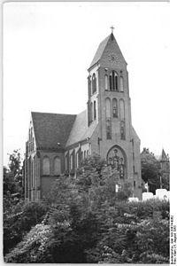 Bundesarchiv Bild 183-20674-0062, Rostock, Katholische Kirche, Schroder-Platz.jpg