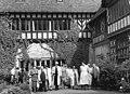 Bundesarchiv Bild 183-49629-0002, Potsdam, Schloss Cecilienhof, rumänische Abgeordnete.jpg