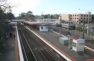 Camberwell railway station, Melbourne - Eastbound view in July 2008