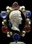 Cameo Augustus Cdm Paris Chab190.jpg