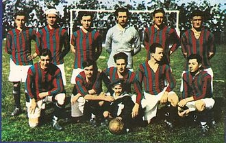 San Lorenzo de Almagro - In 1923 San Lorenzo won its first Primera División title