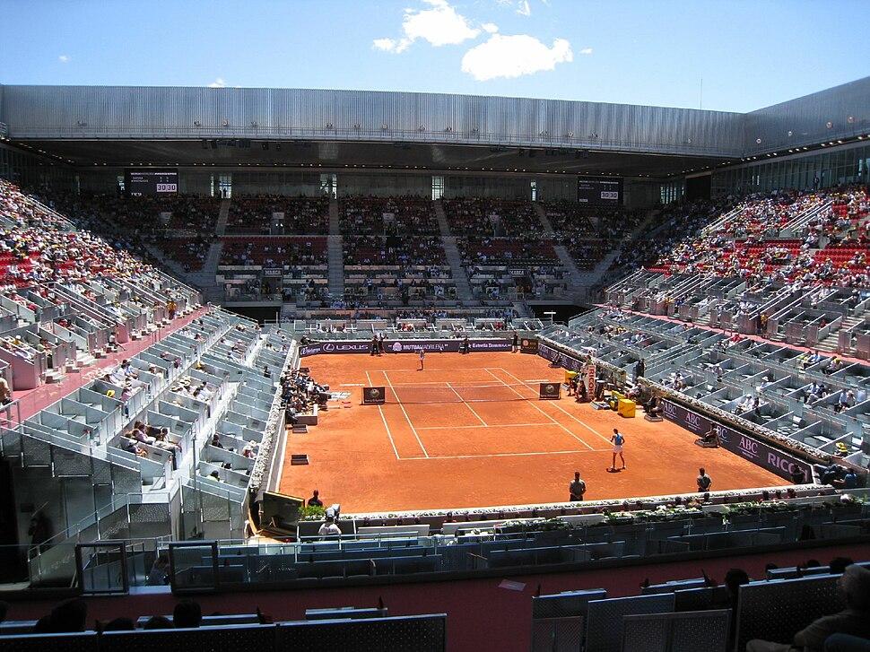 Caroline Wozniacki and Dinara Safina at the 2009 Mutua Madrileña Madrid Open
