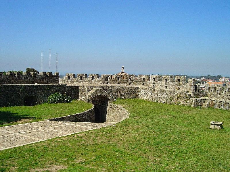 Image:Castelo de Sta. Maria da Feira5.jpg