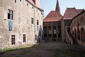 Castelul Corvinilor - Curtea interioara.jpg