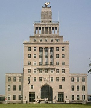 Cedar Rapids, City Hall, photographed by User:...