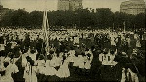 Elizabeth Burchenal - New York borough park 1910 festival with thousands of children folk dancing