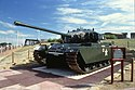 Centurion-Tanko ekster la Reduto Fortress.jpg