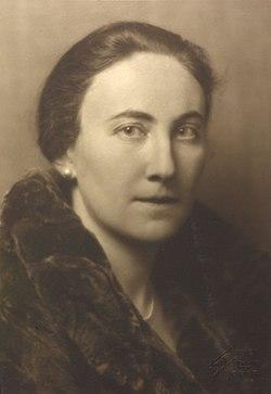 Charlotte Bühler (1893–1974) 1927 © Georg Fayer (1891–1950) OeNB 10450832.jpg