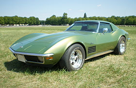 Chevrolet-Corvette-C3-Stingray-verte-av.jpg