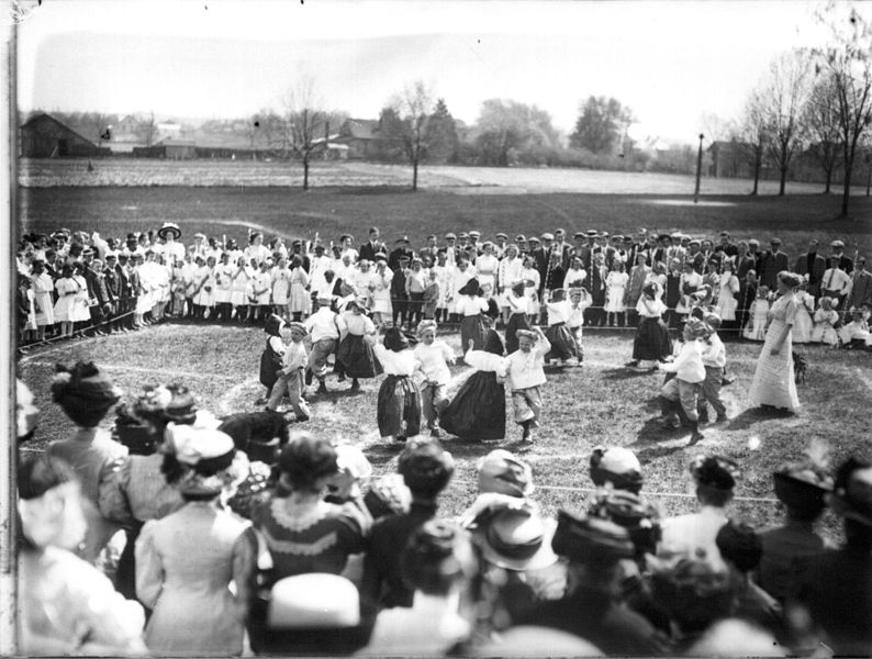File:Children's dance performance at Oxford High School May Day celebration 1910 (3191294283).jpg